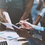 ¿Cómo gestionar los contratos para tu nuevo hogar de forma eficiente?