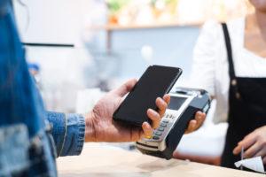 Cómo pagar con el móvil, las app más utilizadas